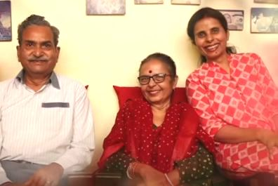Gunjan Saxena with her parents