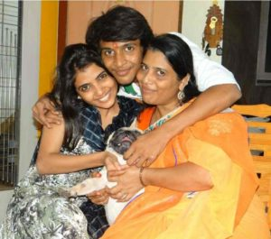 Heena Panchal sister, mother, and brother