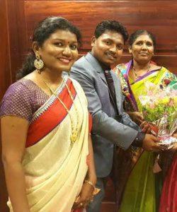 Vaishali Mhade mother and brother