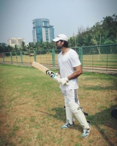 Arhaan khan playing cricket