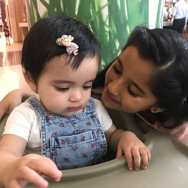 Aura Bhatnagar Badoni with her sister