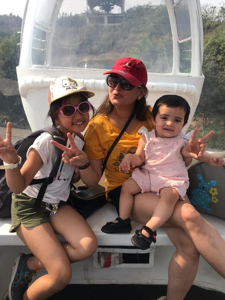 Aurra Bhatnagar Badoni with her mother and sister