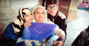 Lucky Dancer with his mother and sister