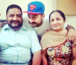 Navdeesh Kaur family