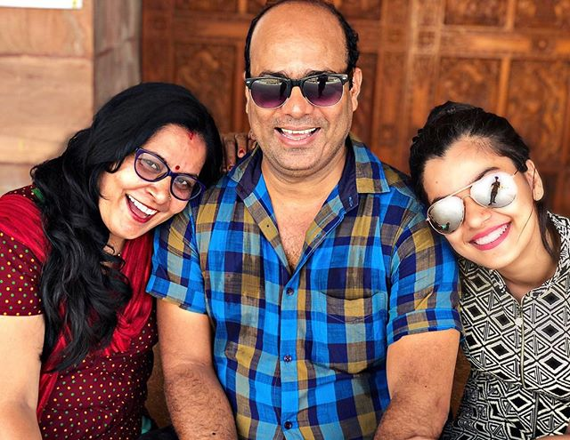 Nidhi Jha with her parents
