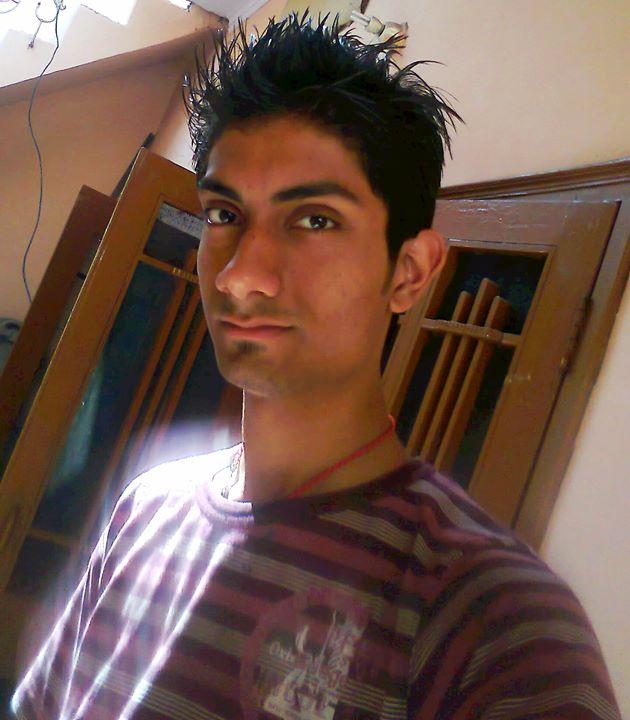 Tehraan Bakshi school days