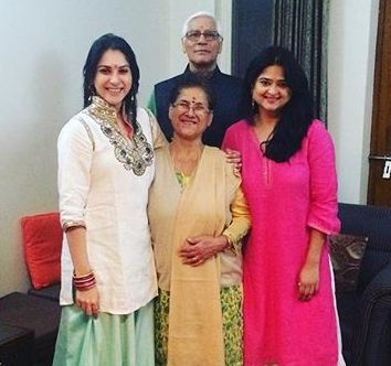 Anjilee Istwal with her family