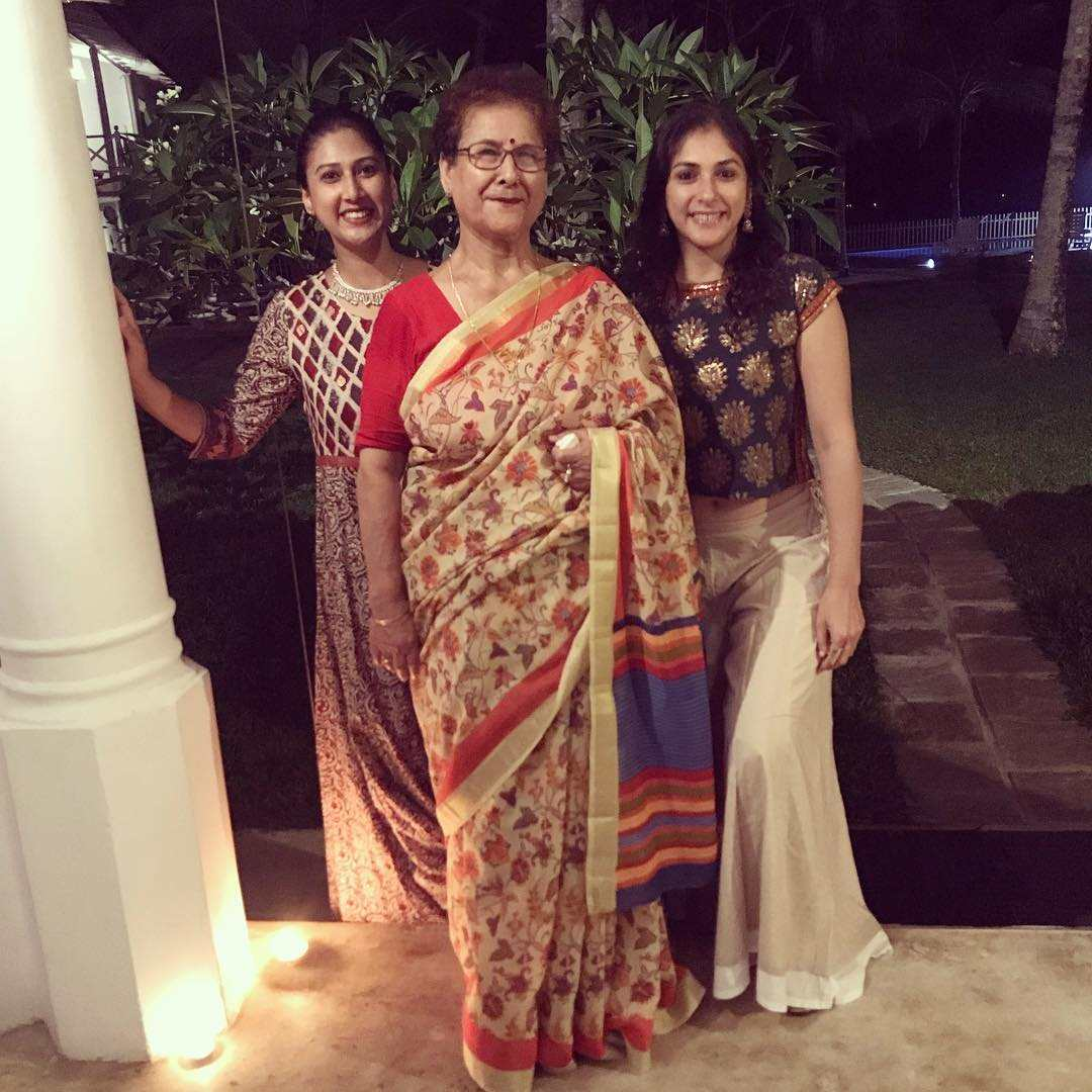 Anjilee Istwal with her sister and mother
