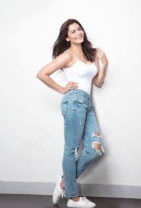 Anuja Sathe height