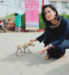 Meenakshi Kandwal is an avid dog lover