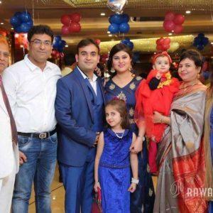 Nidhi Vasandani with her family