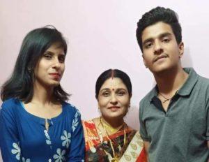 Rasika Pandey mother and sister