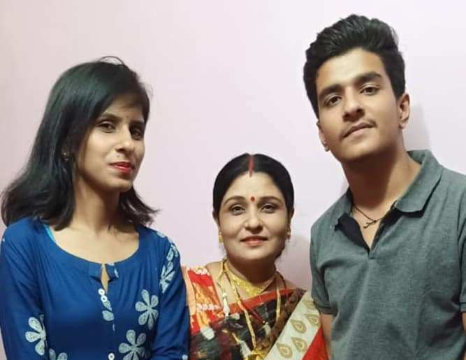 Rasika Pandey mother and sister