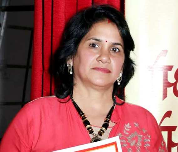 Anushka Sharma mother