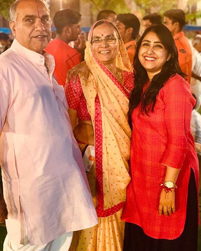 Bhuvan Mohini with her parents