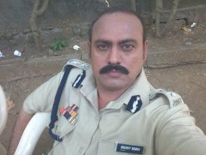 Shafiq Ansari as police officer