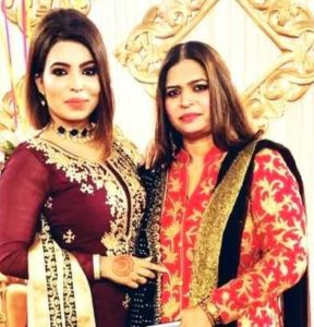 Shazia Nisar with her mother