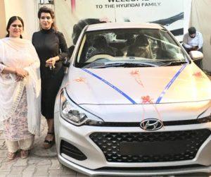 Shaziya Nisar with her car and mother