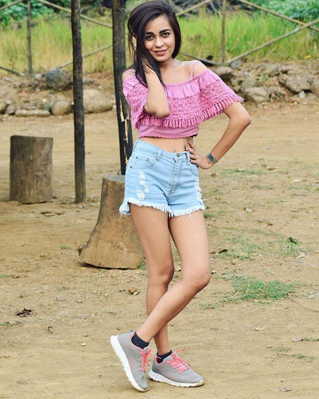 Shikha Sinha Height