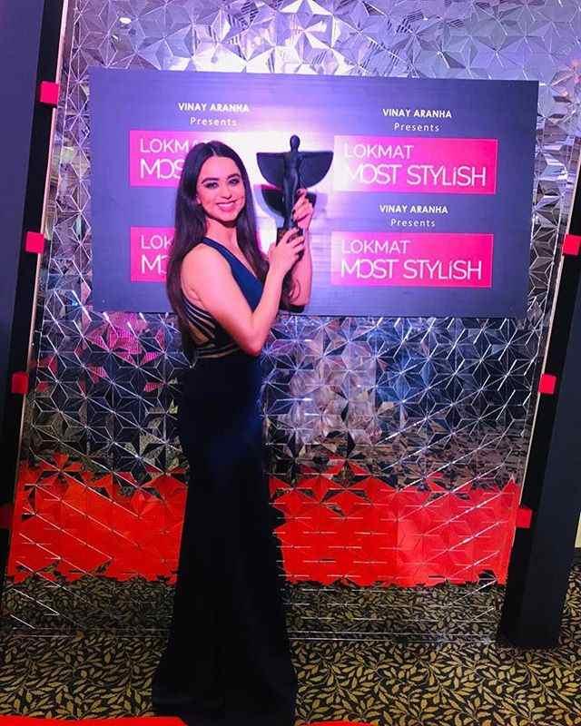 Soundarya Sharma with her DIVA of the Year Award