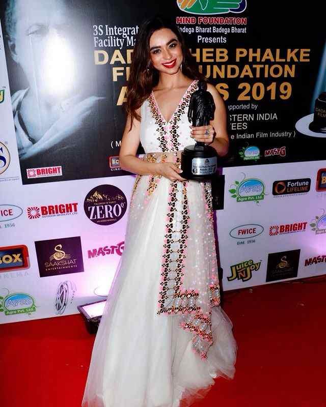Soundarya Sharma with her Dadasaheb Phalke Award