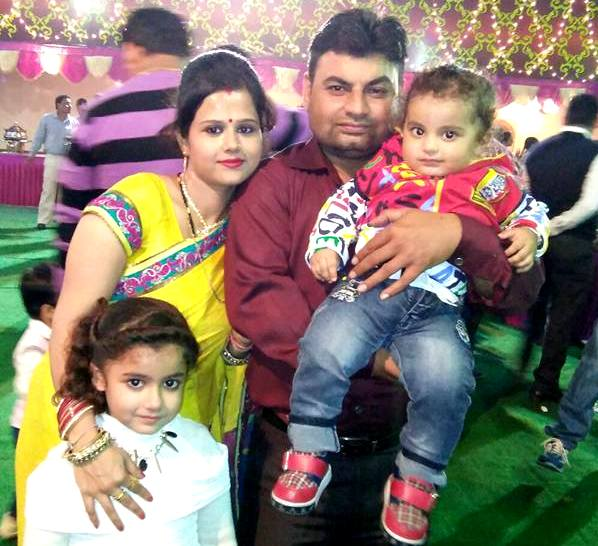 Ananya Dwivedi with her family