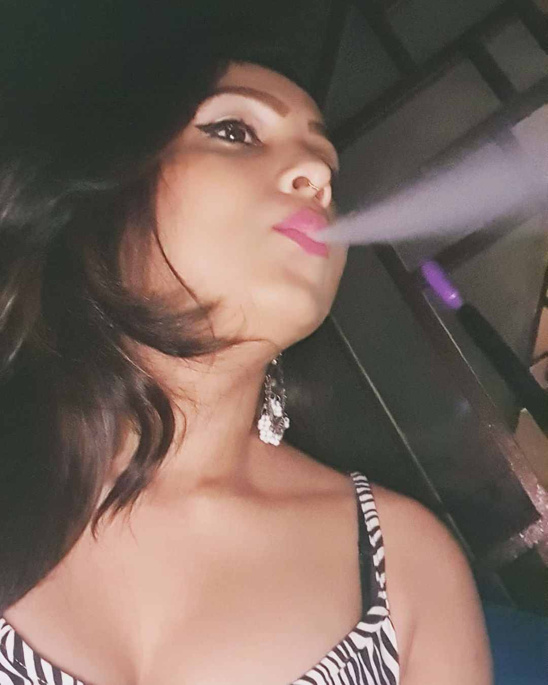 Garima Maurya smoking