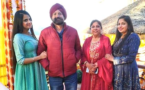 Jaspreet Kaur with her family