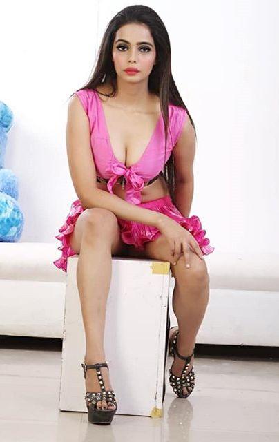 Priyanka Upadhyay Height