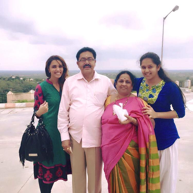 Akshara Gowda with her family