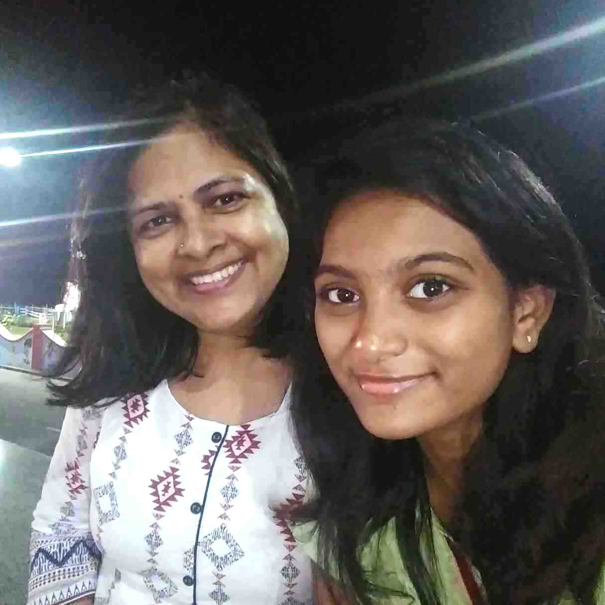 Chandini Chowdary mother and sister