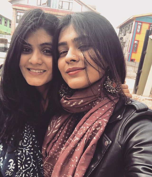 Hebah Patel with her sister