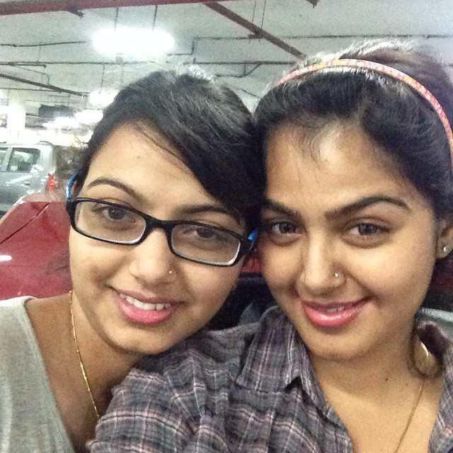 Monal Gajjar with her sister