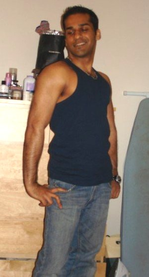 Gautam Kitchlu Height