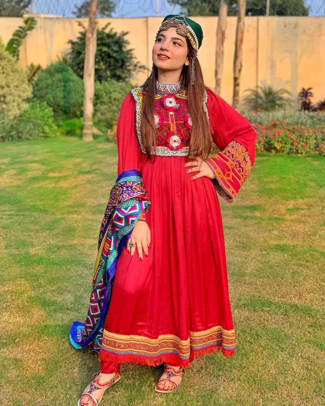 Dananeer Mobeen height