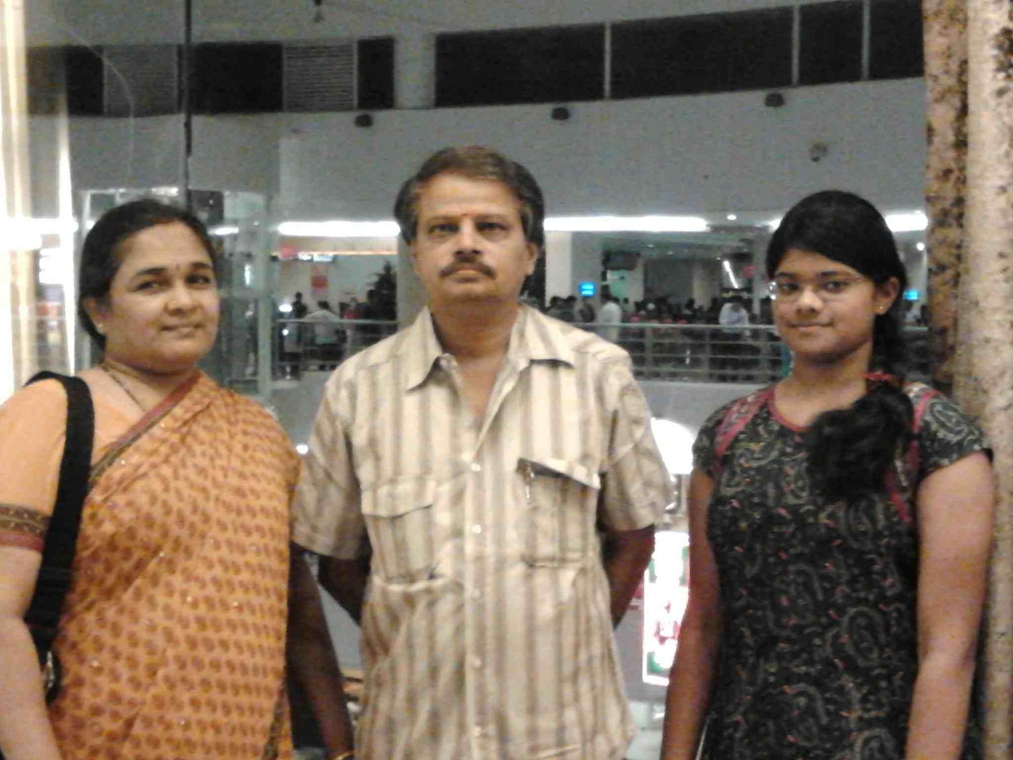 Manasa Varanasi parents and sister