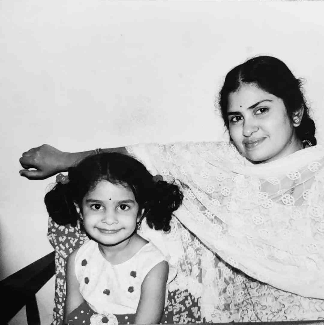 Manasa Varanasi with her mother