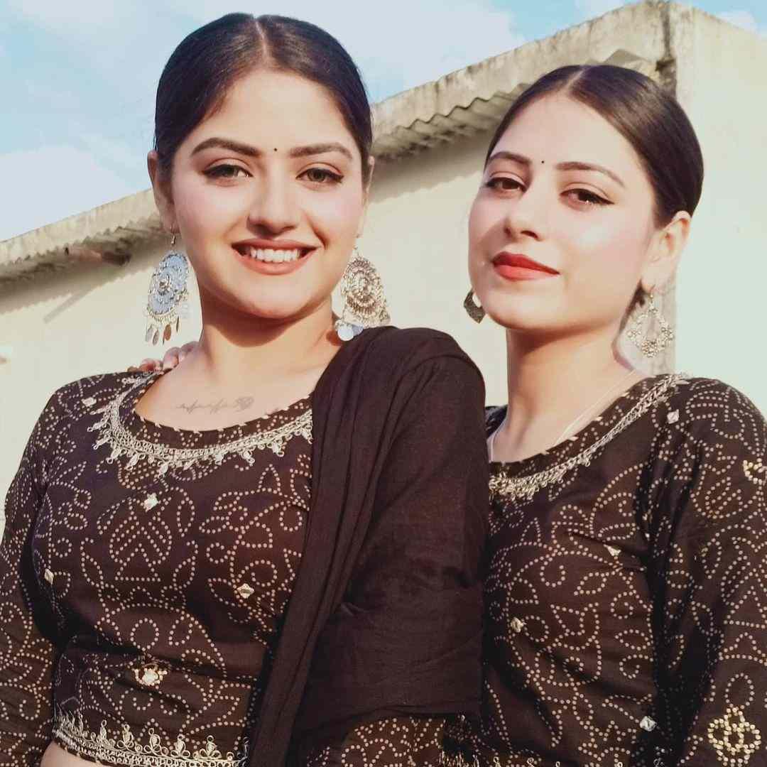 Shreya Tyagi with her sister