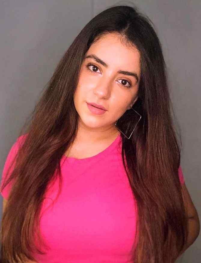 Dolly Chawla