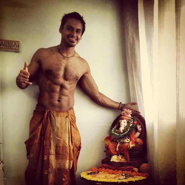 Nupur Shikhare with Lord Ganesha's idol