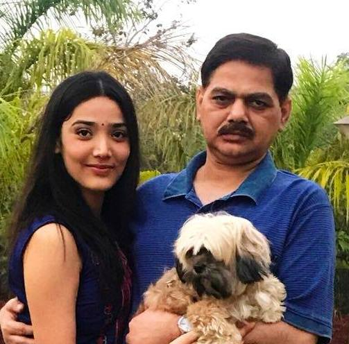 Medha Shankar with her father